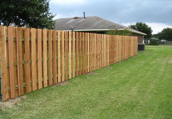 wood shadowbox privacy fencing